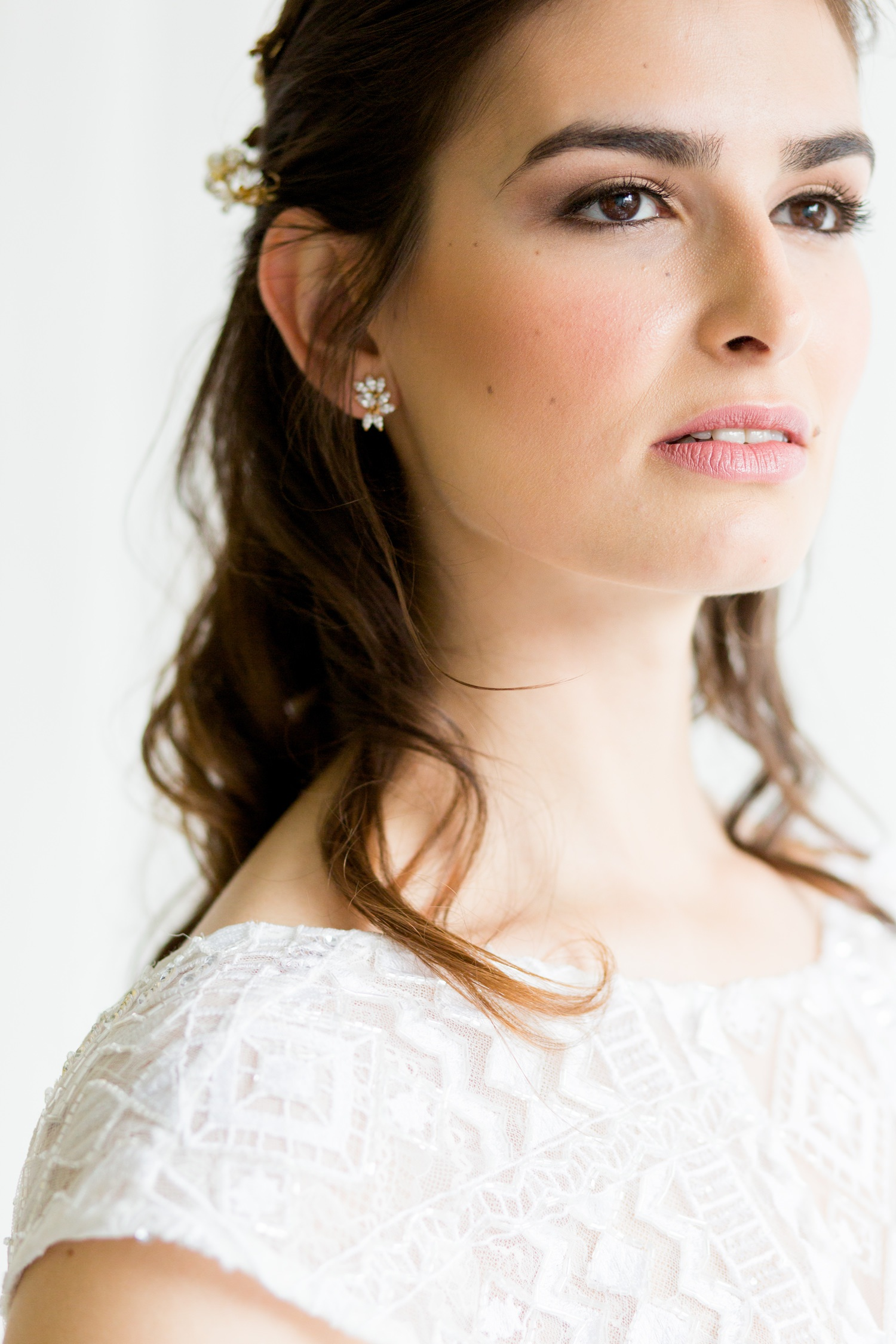 Industrial Chic Botanical Wedding 9 - flawless natural make-up on a brunette bride